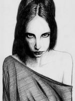 Bleistiftzeichnung Frau schwarze Haare